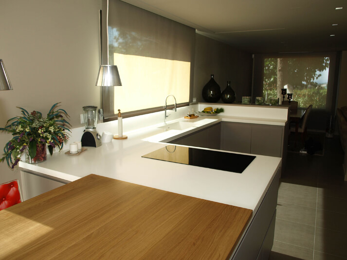 Dominox encimera de cocina en solid surface 17 for Ver cocinas montadas