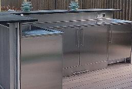 Encimeras de cocina de acero inoxidable en exterior