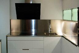 Encimeras de cocina de acero inoxidable en acabado jaspeado satinado