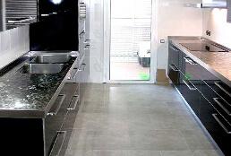 Encimeras de cocina de acero inoxidable en acabado pixie satinado