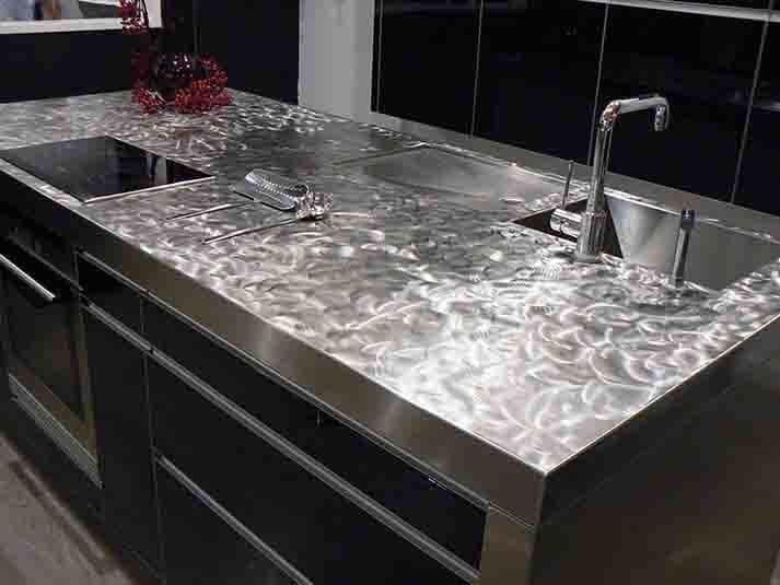 Encimeras de cocina de acero inoxidable en acabado pixie satinado grueso